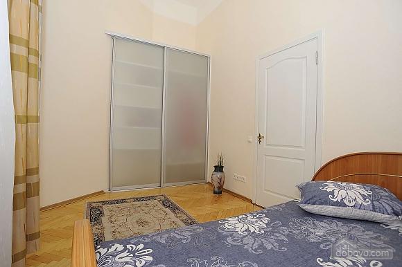 Квартира рядом с Крещатиком, 3х-комнатная (13464), 021