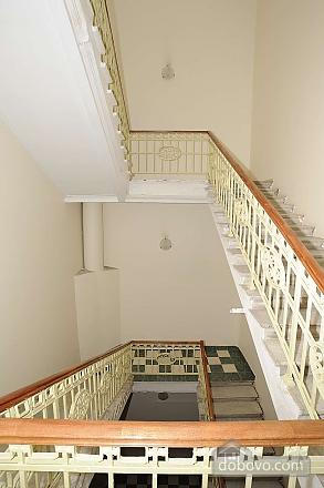 Квартира рядом с Крещатиком, 3х-комнатная (13464), 025