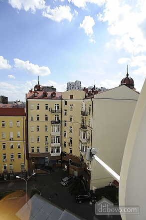 Квартира рядом с Крещатиком, 3х-комнатная (13464), 033