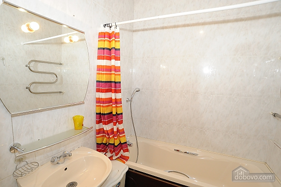 Відмінна квартира в центрі міста в тихому місці, 2-кімнатна (21062), 013