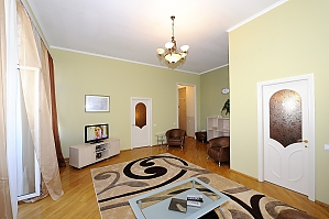 Apartment close to the Metro Ploshcha Lva Tolstogo, Un chambre, 002