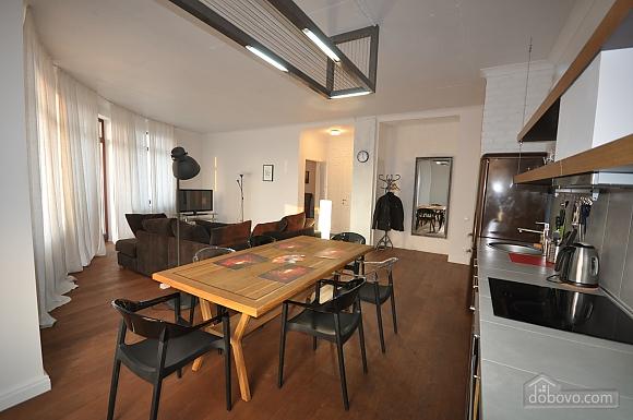 Ультрасучасна квартира з терасою і видом на море, 3-кімнатна (98733), 001