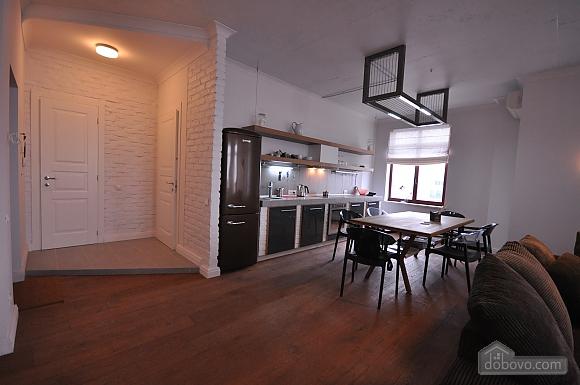 Ультрасучасна квартира з терасою і видом на море, 3-кімнатна (98733), 003