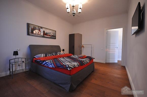 Ультрасучасна квартира з терасою і видом на море, 3-кімнатна (98733), 015