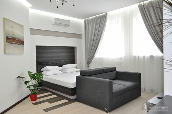 VIP apartment in modern style with jacuzzi, Studio (24018), 003