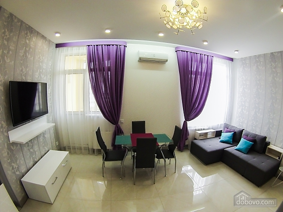 Новая квартира в центре, 2х-комнатная (92951), 003