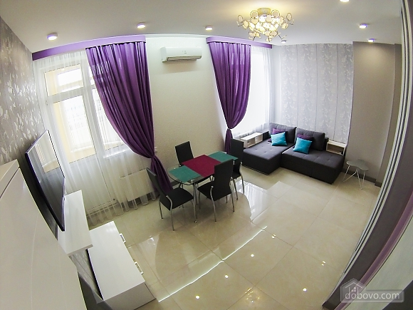 Новая квартира в центре, 2х-комнатная (92951), 005