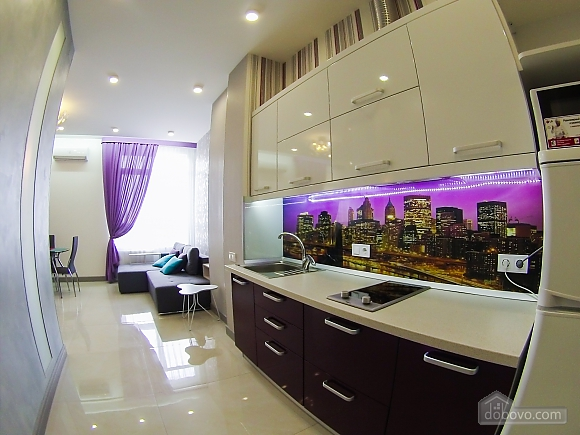 Новая квартира в центре, 2х-комнатная (92951), 001