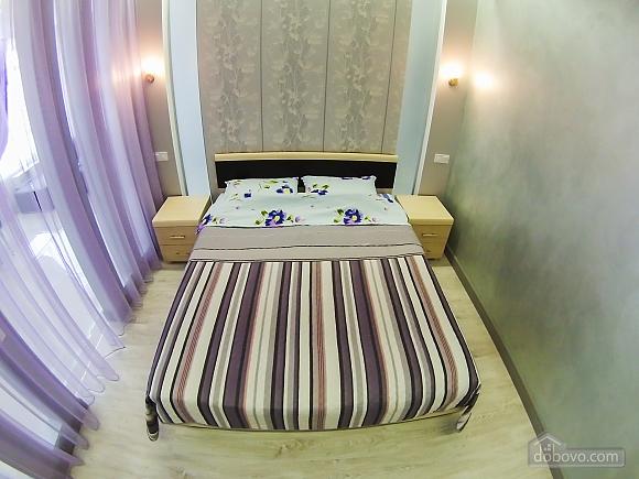 Новая квартира в центре, 2х-комнатная (92951), 013