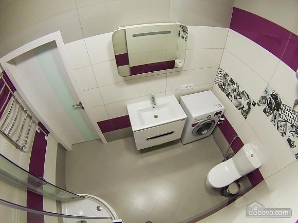 Новая квартира в центре, 2х-комнатная (92951), 014