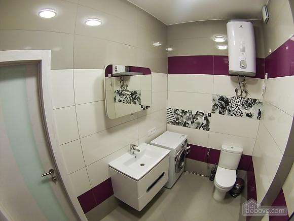 Новая квартира в центре, 2х-комнатная (92951), 015