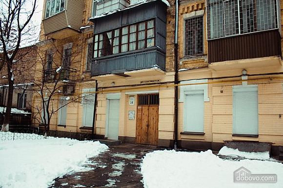 Studio apartment on Antonovycha (635), Studio (11258), 017