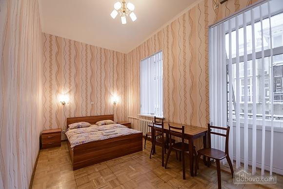 Studio apartment on Antonovycha (635), Studio (11258), 001