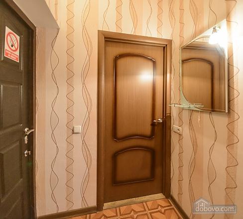 Studio apartment on Antonovycha (635), Studio (11258), 009