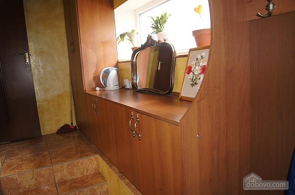 Особняк з джакузі біля парку, 2-кімнатна (49753), 007