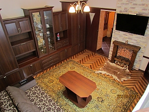 Mansion with a Jacuzzi near the park, Un chambre, 001
