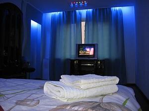 Затишні апартаменти біля Holiday, 2-кімнатна, 002