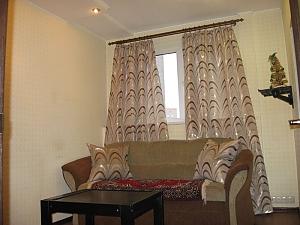 Затишні апартаменти біля Holiday, 2-кімнатна, 003