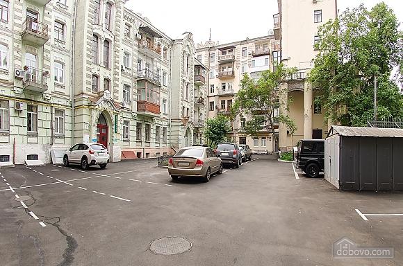 Квартира в центре города, 2х-комнатная (51548), 014
