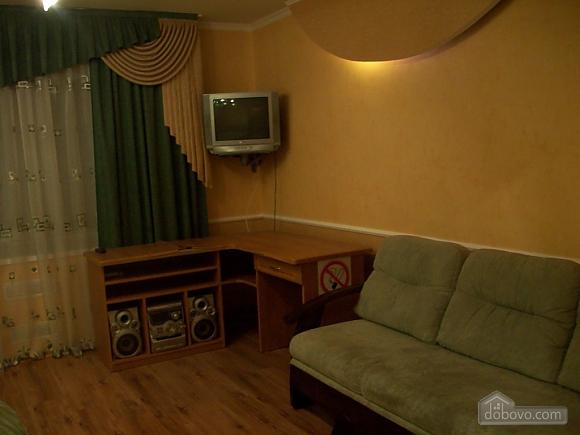 Квартира в центрі біля РАГСу, 2-кімнатна (27773), 001