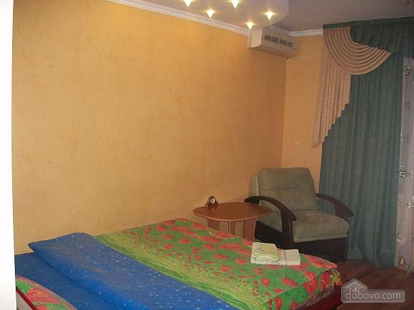 Квартира в центрі біля РАГСу, 2-кімнатна (27773), 015