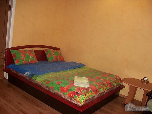 Квартира в центрі біля РАГСу, 2-кімнатна (27773), 016