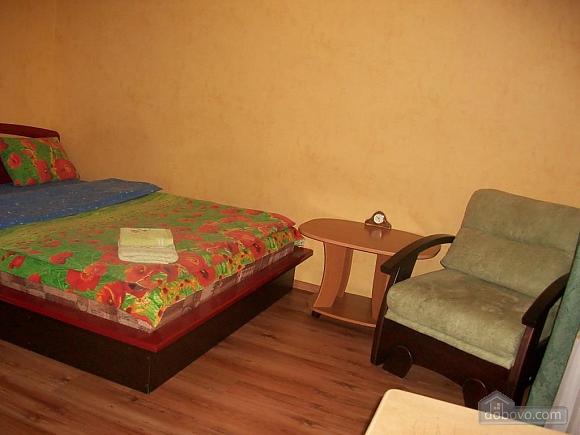 Квартира в центрі біля РАГСу, 2-кімнатна (27773), 017