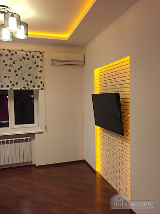 Нова квартира Люкс з Джакузі біля Міст-Сіті, 2-кімнатна (82992), 003