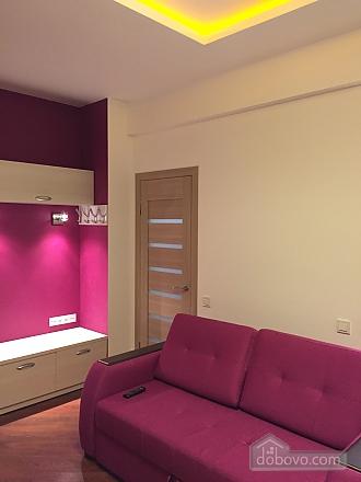 Нова квартира Люкс з Джакузі біля Міст-Сіті, 2-кімнатна (82992), 004