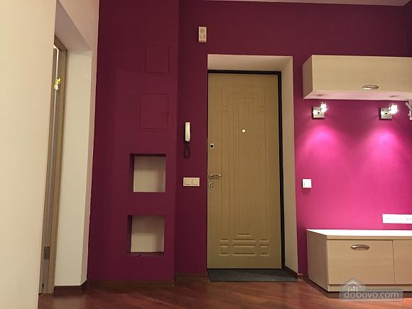 Нова квартира Люкс з Джакузі біля Міст-Сіті, 2-кімнатна (82992), 005