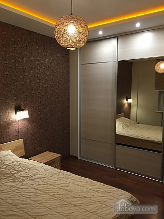 Нова квартира Люкс з Джакузі біля Міст-Сіті, 2-кімнатна (82992), 010
