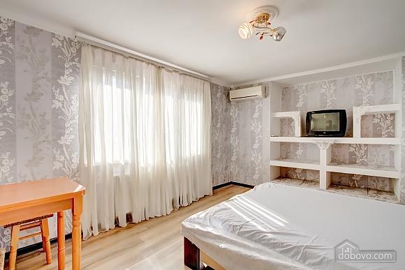 Современные апартаменты возле моря, 1-комнатная (66110), 002