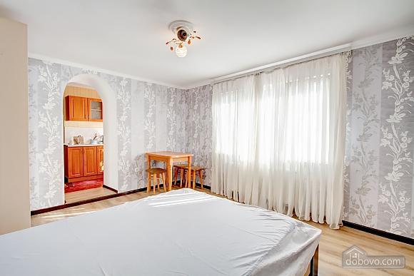 Современные апартаменты возле моря, 1-комнатная (66110), 004