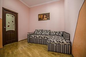 Двокімнатна квартира в центрі, 2-кімнатна, 003