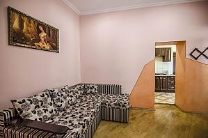 Двокімнатна квартира в центрі, 2-кімнатна, 004