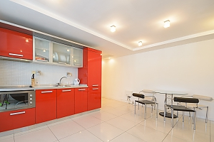 Modern two-bedroom apartment street view, Due Camere, 002
