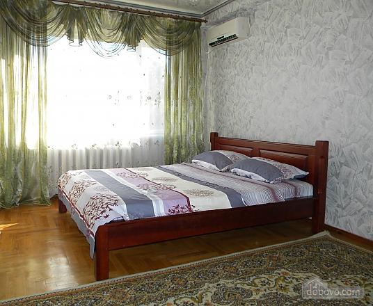 Квартира в центрі, 2-кімнатна (28251), 001