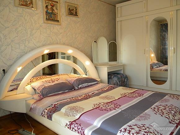 Квартира в центрі, 2-кімнатна (28251), 002