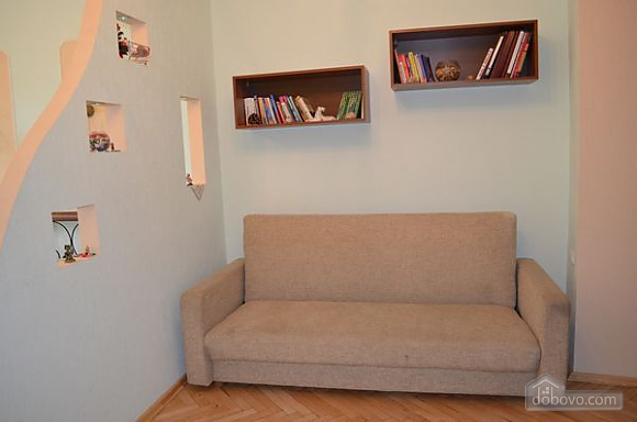 Spacious apartment close to the center and  train station, Monolocale (81701), 004