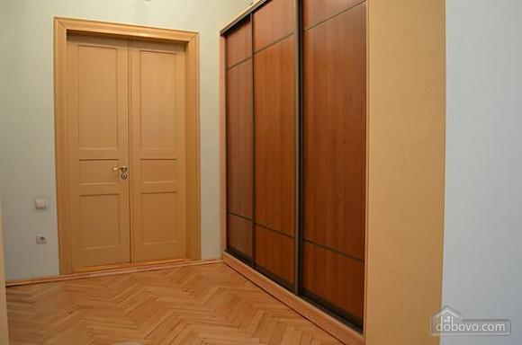 Spacious apartment close to the center and  train station, Studio (81701), 006