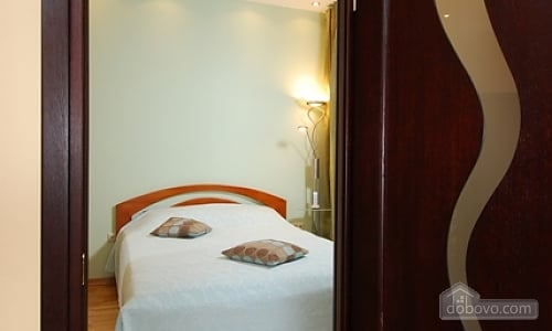VIP apartment in a luxury house with an exclusive renovation and service, Zweizimmerwohnung (23068), 004