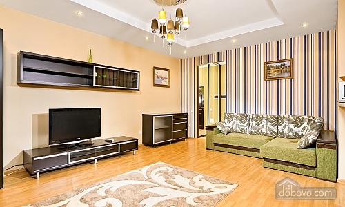 VIP apartment in a luxury house with an exclusive renovation and service, Una Camera (84800), 001