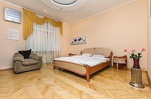 Квартира Люкс возле Дворца Украины, 2х-комнатная, 001