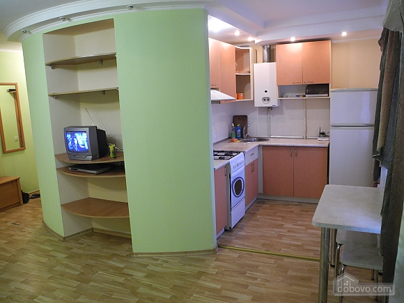 Kirova, Un chambre (81363), 002