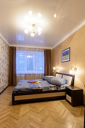 Apartment on Pechersk, Two Bedroom, 002