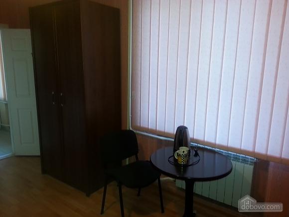 Suite in the center, Studio (78263), 003
