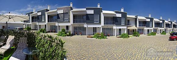 Роскошный коттедж с бассейном в 3х минутах от моря, 4х-комнатная (61769), 002