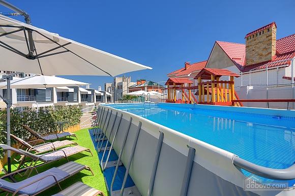 Роскошный коттедж с бассейном в 3х минутах от моря, 4х-комнатная (61769), 003