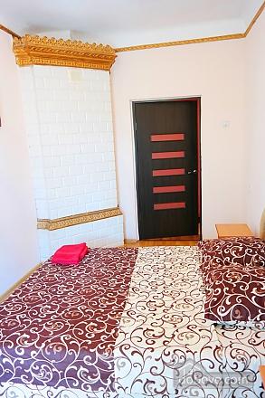 Квартира в центре, 2х-комнатная (15042), 002