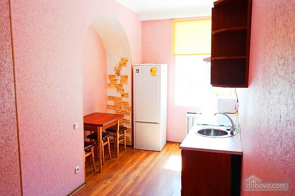 Квартира в центре, 2х-комнатная (15042), 007